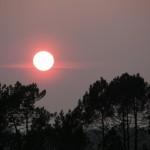 fond ecran 090501 coucher soleil lac hostens