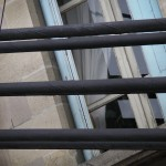 fond ecran 090526 pont suspendu fenetre reole